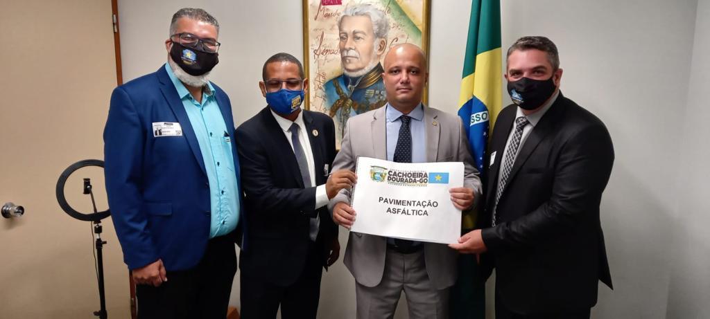 Presidente da Assego participa de reunião com deputado federal Major Vitor Hugo em Brasília